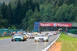 Race Start: #66 Vita4One Racing Team BMW Z4 GT3: Greg Franchi, Frank Kechele, Mathias Lauda