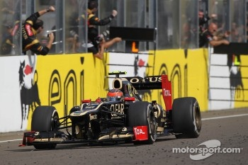 Romain Grosjean, Lotus Renault F1 Team takes third place