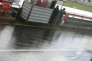 Pitlane conditions