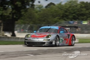 #44 Flying Lizard Motorsports Porsche 911 GT3 RSR: Marco Holzer