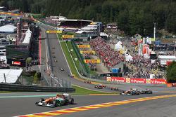 Nico Hulkenberg, Sahara Force India Formula One Team leads Paul di Resta, Sahara Force India Formula One Team