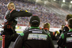 The Roush-Fenway crew celebrates