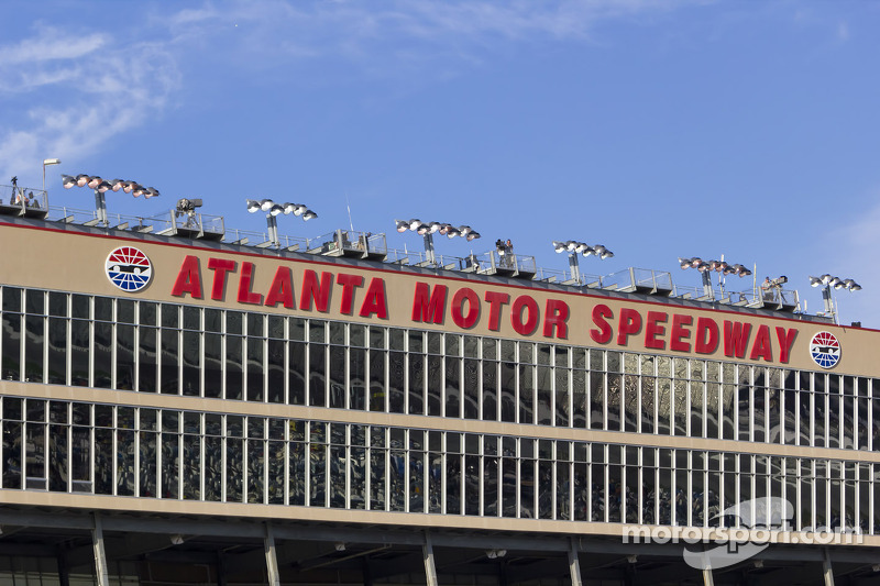 Atlanta motor speedway at atlanta for Atlanta motor speedway lights 2017