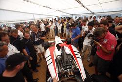 The media and GP3 teams look at the GP3-13 car