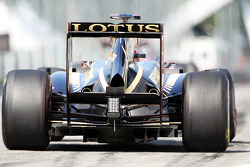 Jerome d'Ambrosio, Lotus F1, rear diffuser detail