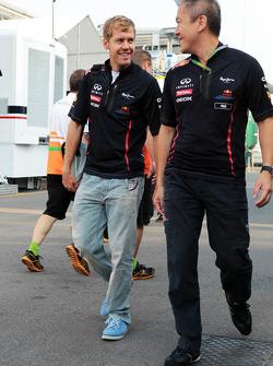 Sebastian Vettel, Red Bull Racing with Paul Cheung, Red Bull Racing Team Chiropractor