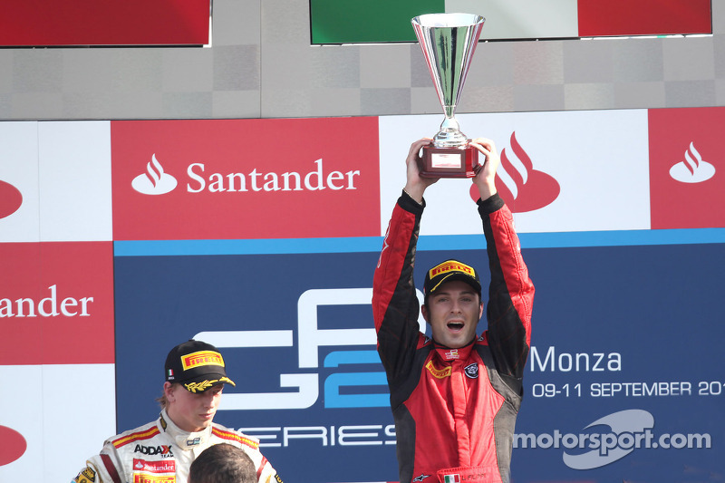 Podium: winner Luca Filippi, second place Johnny Cecotto