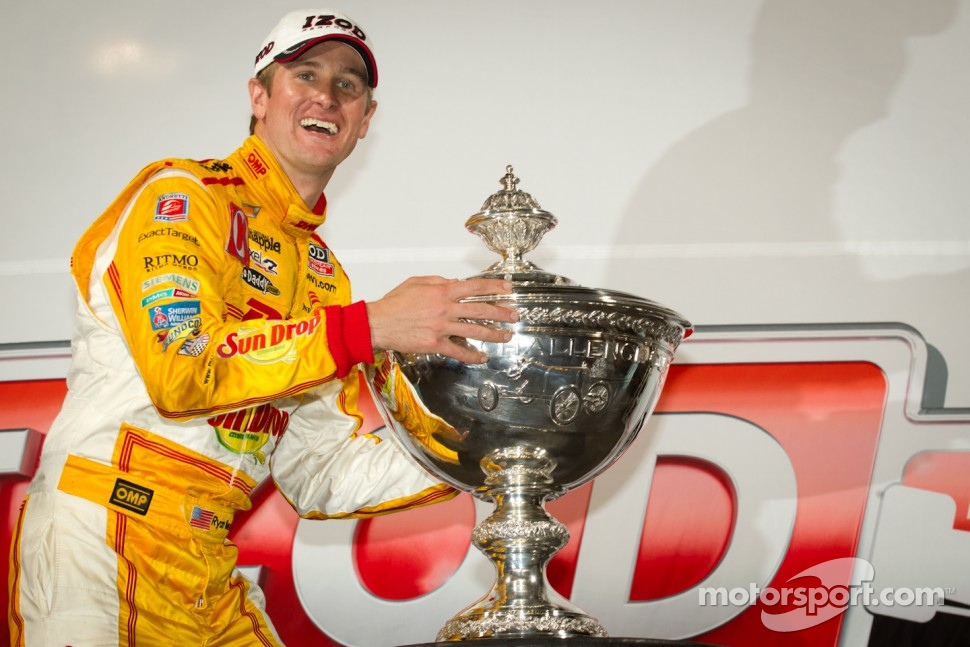 IndyCar Series 2012 champion Ryan Hunter-Reay, Andretti Autosport Chevrolet celebrates