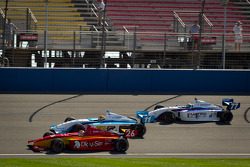 Carlos Munoz, Andretti Autosport, Esteban Guerrieri, Sam Schmidt Motorsports and Tristan Vautier, Sam Schmidt Motorsports lead the field to the green flag