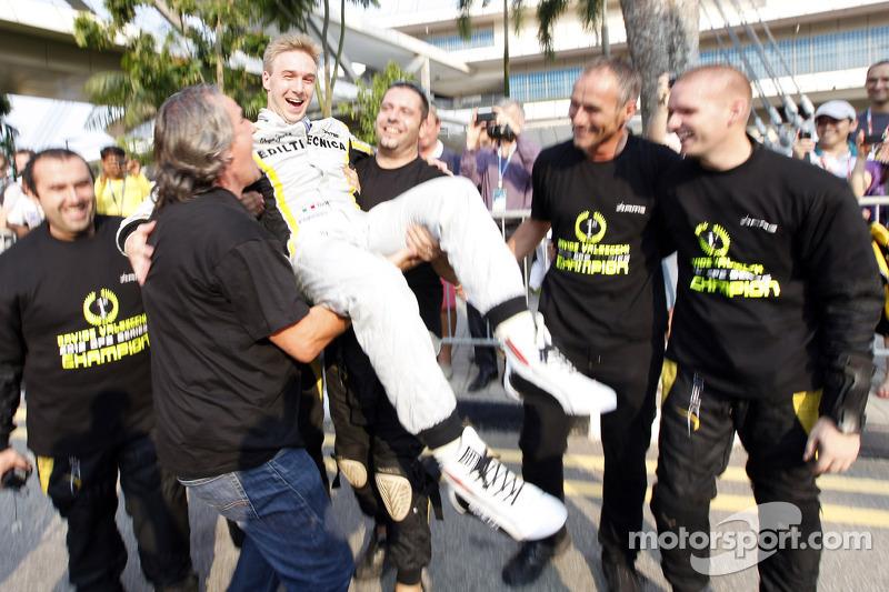 Davide Valsecchi celebrates his championship
