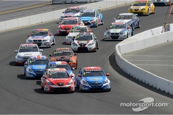 Start of the race, Gabriele Tarquini, Chevrolet Cruze 1.6T, Chevrolet