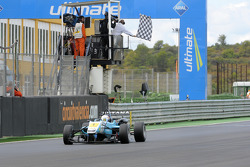 Daniel Juncadella takes second
