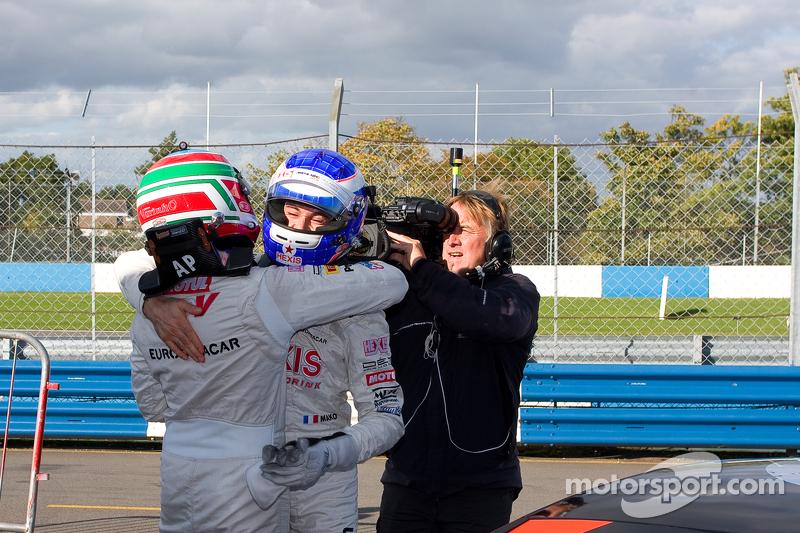 #2 Hexis Racing McLaren MP4-12C GT3: Alvaro Parente, Gregoire Demoustier #1 Hexis Racing McLaren MP4-12C GT3: Frederic Makowiecki, Stef Dusseldorp