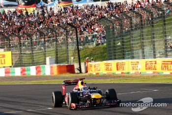 Race winner Sebastian Vettel, Red Bull Racing celebrates at the end of the race