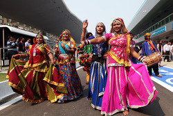 Dancers in the pit lane