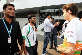 Jules Bianchi, Sahara Force India F1 Team Third Driver with fans