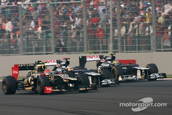 Romain Grosjean, Lotus F1 Team, Pastor Maldonado, Williams F1 Team and Bruno Senna, Williams F1 Team