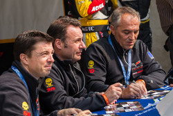 Larbre drivers Christophe Bourret, Pascal Gibon, Jean-Philippe Belloc