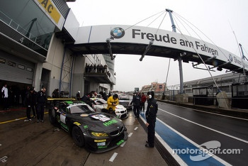 #19 BMW Team Schubert BMW Z4: Uwe Alzen, Philipp Wlazik, Niclas Kentenich