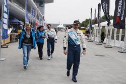 Justine Monnier, Girlfriend of Yvan Muller, Alain Menu, Chevrolet Cruze 1.6T, Chevrolet and Yvan Muller, Chevrolet Cruze 1.6T, Chevrolet