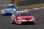 Gabriele Tarquini, SEAT Leon WTCC, Lukoil Racing Team and Yvan Muller, Chevrolet Cruze 1.6T, Chevrolet