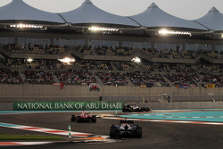 Pastor Maldonado, Williams leads Fernando Alonso, Ferrari and Mark Webber, Red Bull Racing