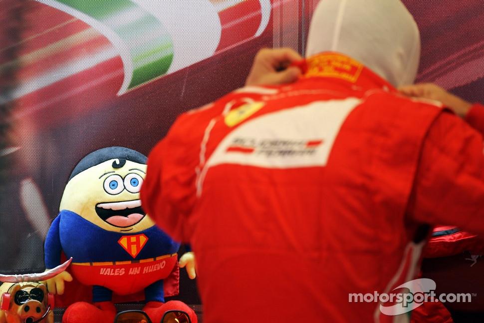 http://cdn-8.motorsport.com/static/img/mgl/1400000/1480000/1489000/1489500/1489518/s1_1.jpg