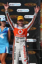Race winner Jamie Whincup, Team Vodafone