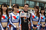 Norbert Michelisz, BMW 320 TC, Zengˆ Motorsport and Grid Girls