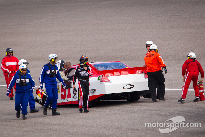 Regan Smith, Phoenix Racing Chevrolet stopped on track
