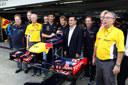 Red Bull Racing announce Infiniti as a title sponsor for 2013, Red Bull Racing; Sebastian Vettel, Red Bull Racing; Carlos Ghosn, CEO Renault-Nissan; Christian Horner, Red Bull Racing Team Principal; Dr Helmut Marko, Red Bull Motorsport Consultant; Jean-Fr