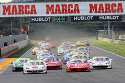 Start of Trofeo Pirelli race 1