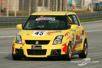 #45 Suzuki Swift: Keifli / Kesavamoorthy / Akash Nandy - JC Racing