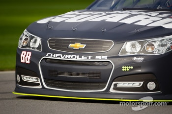 Dale Earnhardt Jr., Hendrick Motorsports Chevrolet, front end detail