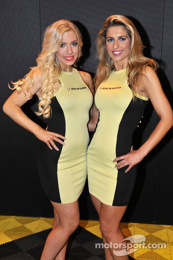 Dunlop Promo Girls