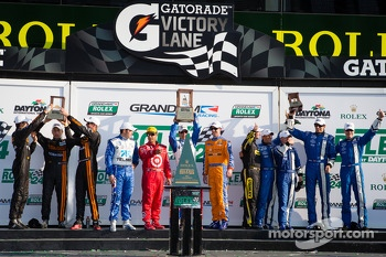 DP podium: class and overall winners Charlie Kimball, Juan Pablo Montoya, Scott Pruett, Memo Rojas, second place Max Angelelli, Jordan Taylor, Ryan Hunter-Reay, third place Marcos Ambrose, John Pew, A.J. Allmendinger, Justin Wilson, Oswaldo Negri