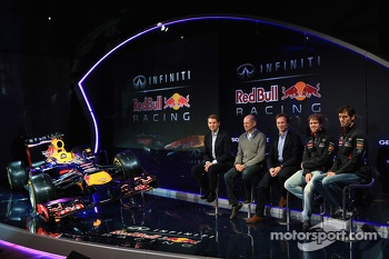 Christian Horner, Adrian Newey, Mark Webber and Sebastian Vettel with the Red Bull Racing RB9