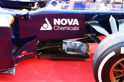 Scuderia Toro Rosso STR8 keel detail