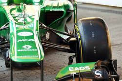 Caterham CT03 front suspension