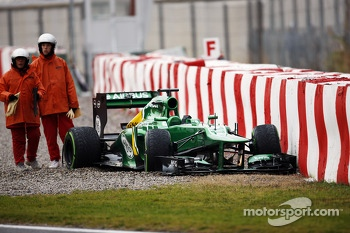Giedo van der Garde, Caterham CT03 off the circuit at the final corner