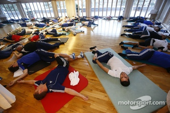Drivers do yoga