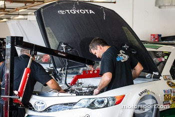 Swan Racing Toyota crew members at work