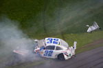 Last lap crash: Kyle Larson crashes