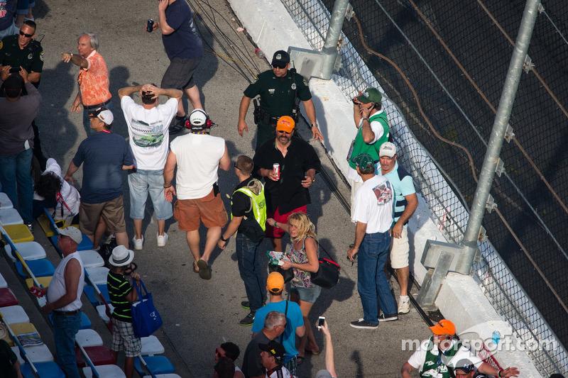 Fans after the last lap crash