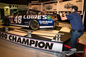 2013 Daytona 500 winner Jimmie Johnson, Hendrick Motorsports Chevrolet, takes photos of his car