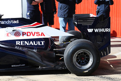 Williams FW35 exhaust and rear suspension