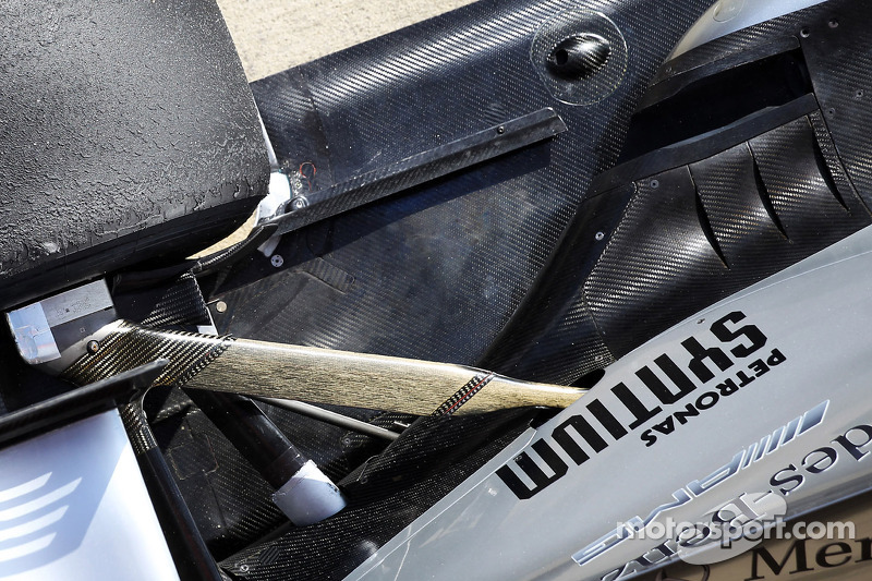 Mercedes AMG F1 W04 rear suspension and exhaust
