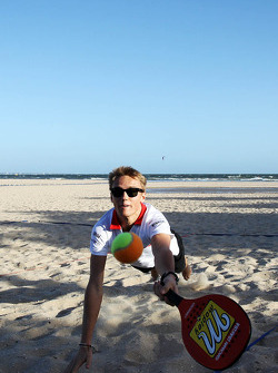 Max Chilton, Marussia F1 Team plays beach tennis