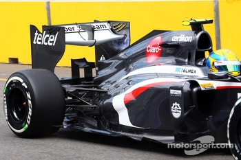 Esteban Gutierrez, Sauber C32 rear wing and rear suspension