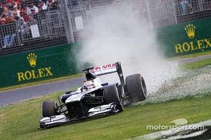 Pastor Maldonado, Williams FW35 runs wide